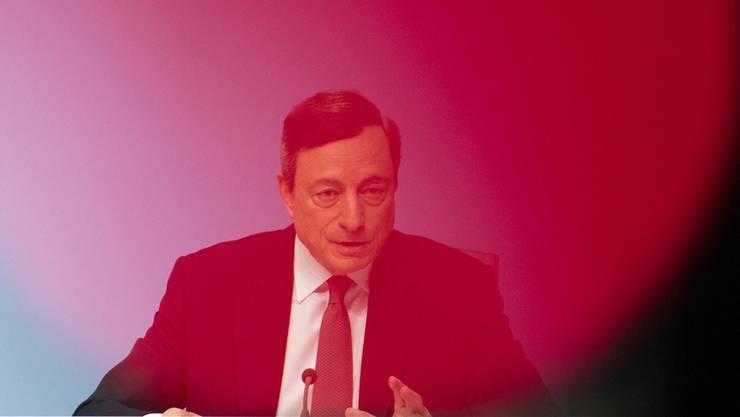 EZB-Präsident Mario Draghi kann nicht alle Probleme allein lösen.ARNE DEDERT/EPA/KEY