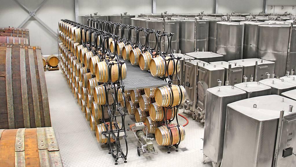 Der Agrarriese Fenaco baut sein Weingeschäft Divino aus. Dazu übernimmt er die traditionsreiche Ostschweizer Weinkellerei Rutishauser.