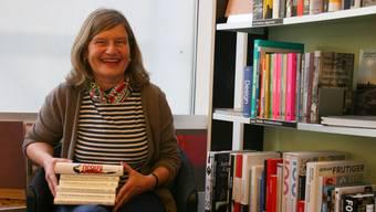 Susanne Jäggi in ihrer Buchhandlung am Badener Theaterplatz: «Der Preis kommt einen Ritterschlag gleich.»
