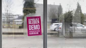 Flyer für eine Demonstration gegen Rassismus: Ein Schweizerpass schützt nicht vor Diskriminierung. Auch Schweizerinnen und Schweizer mit Migrationshintergrund werden in verschiedenen Lebensbereichen benachteiligt.(Symbolbild)