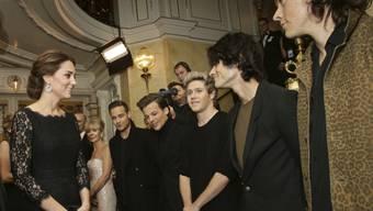 Royals treffen auf Boygroup: Kate und One Direction (Archiv)