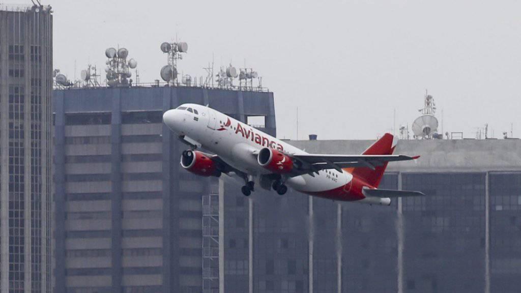 Ein Linienflugzeug der kolumbianischen Airline Avianca ist aus Versehen aus dem venezolanischen Luftraum gedrängt worden. (Archivbild)
