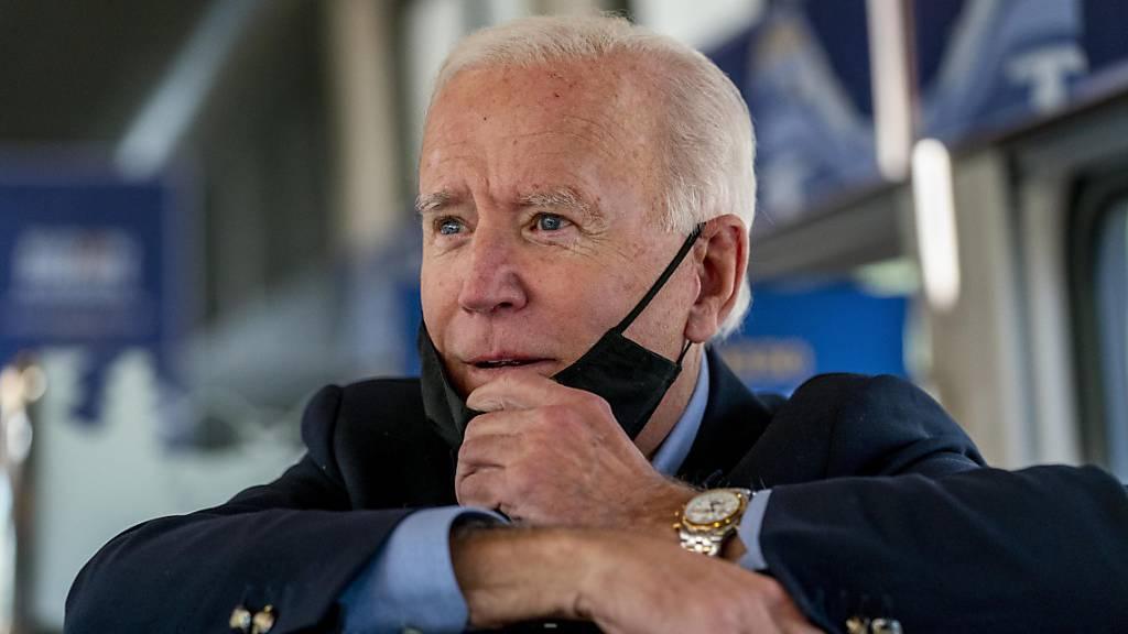 ARCHIV - Nach der Corona-Infektion von US-Präsident Donald Trump will sein Herausforderer Joe Biden auf sogenannte negative Werbung verzichten. Foto: Andrew Harnik/AP/dpa