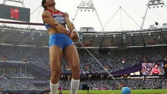 Lysenko bei ihrem vermeintlichen Goldwurf in London