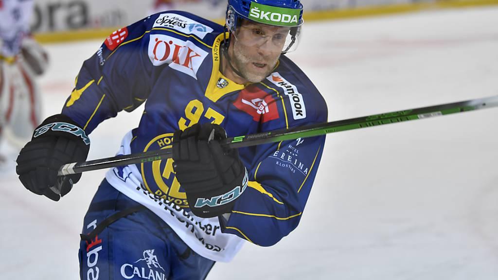 Tut dem HC Davos auch ohne eigenen Torerfolg sichtlich gut: NHL-Superstar Joe Thornton