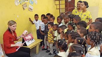 Die Murianer Zahnfee Daniela Frey Perez bringt Kindern in armen Ländern Mundhygiene bei.