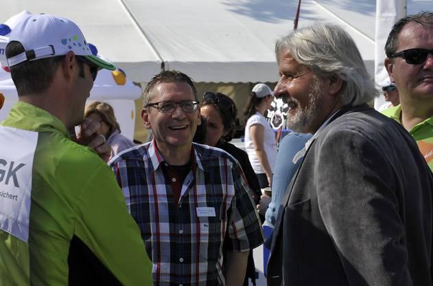 CVP-Ständerat Pirmin Bischof, Beat Käch und Roger Siggenthaler, Gemeindepräsident von Lüterkofen-Ichertswil beim Eröffnungsakt auf dem Kreuzackerplatz.