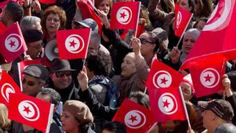 Tausende gingen in Tunis gegen islamistischen Extremismus auf die Strasse