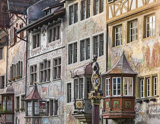Prächtige Erkerfassade auf der Wanderung Richtung Stein am Rhein.