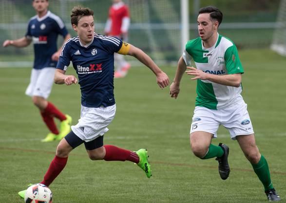 Mümiswil-Captain Dominik Ackermann (links) erzielte drei Tore beim 7:0-Kantersieg gegen Welschenrohr.
