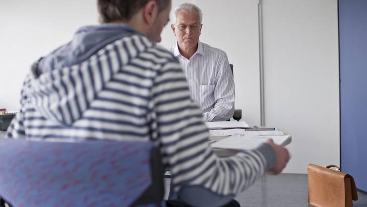 Arbeitslose Jugendliche: Statt aufs Arbeitsamt sollen sie einen Auslandaufenthalt absolvieren.