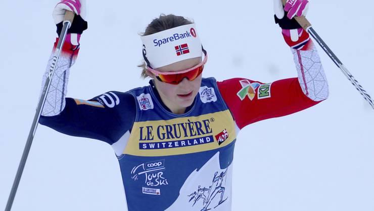 Konnte auf der Alpe Cermis schon früh in den Feiermodus wechseln: Ingvild Flugstad Östberg gewann erstmals die Tour de Ski