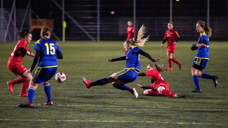 Am vergangenen Spieltag trennten sich die FC Aarau Frauen und das Frauenteam des SC Derendingen Solothurn 1:1. Mit diesem Unentschieden gehen beide in die Winterpause.