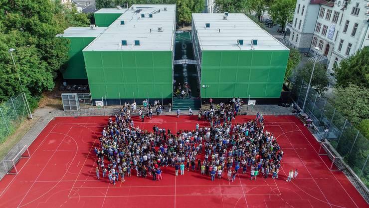 """So präsentiert sich das neue Schulhaus aus der Luft. Quelle: S. Fahrni, Schule Baden"""""""