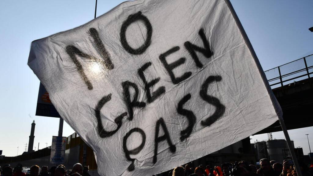 Proteste gegen Corona-Pass in Italien - Chaos bleibt zunächst aus
