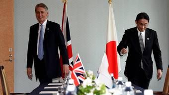Japan strebt eine nuklearwaffenfreie Welt an: Bilaterales Treffen des britischen Aussenministers Philip Hammond (l.) mit seinem japanischen Amtskollegen Fumio Kishida in Hiroshima.