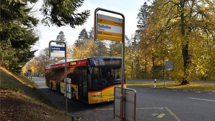 Die Bushaltestelle «Salhöhe», die sich sowohl auf Aargauer als auch auf Solothurner Gebiet befindet, soll ausgebaut werden.