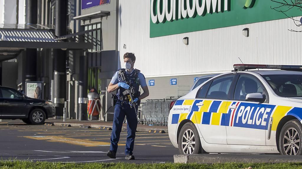 Supermarktkette nimmt Messer nach Attacke aus Regalen