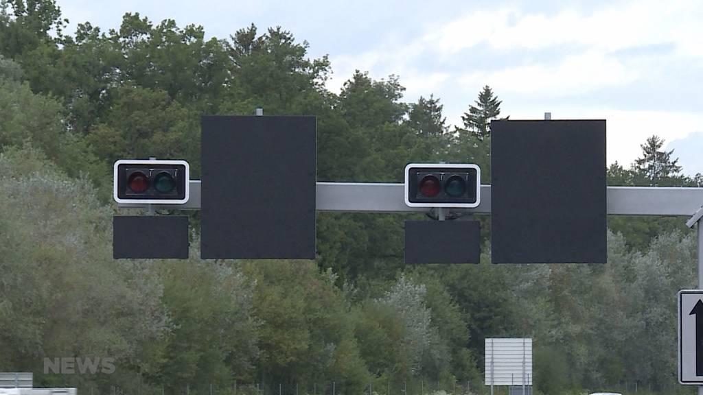 Gegen Stau auf der A6: Jetzt werden Ampeln installiert