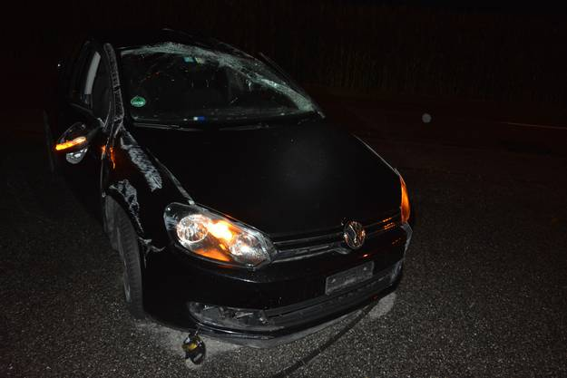 Das Auto musste durch den Abschleppdienst geborgen werden.