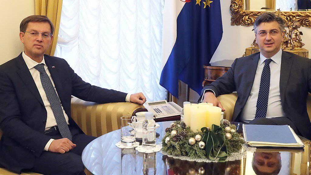 Die Regierungschefs Kroatiens und Sloweniens, Andrej Plenkovic (r) und Miro Cerar, bei ihrem erfolglosen Treffen in Zagreb