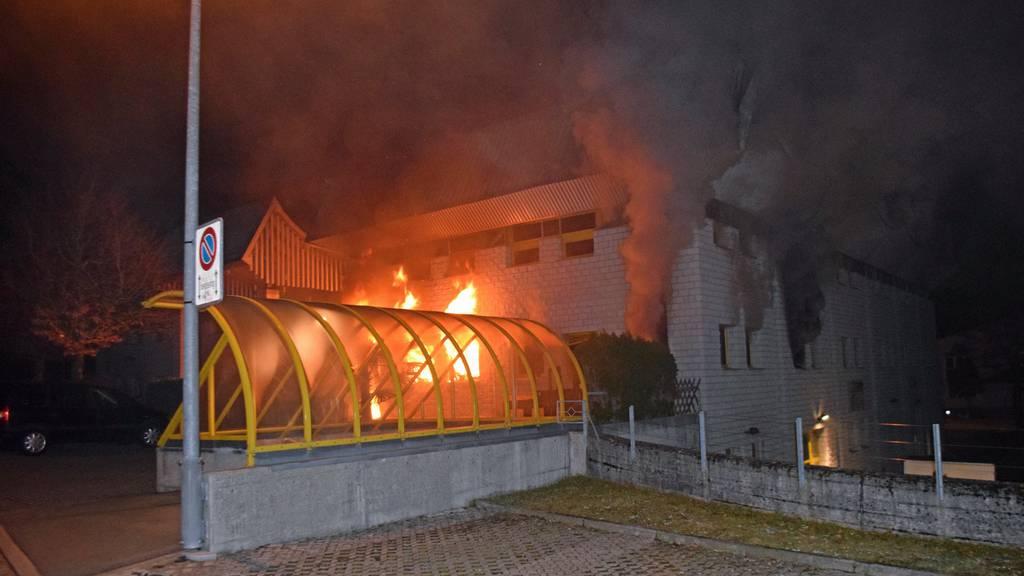 Brand im Gewerbequartier Winkelbüel in Adligenswil