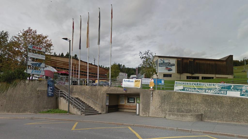 Siebenjährige wird von Holzfigur getroffen und stirbt