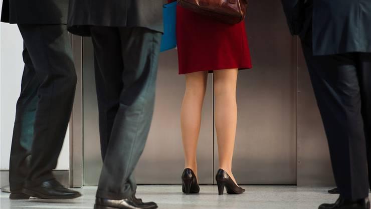 Man spricht wieder über die Frauenquote. Denn noch immer sind Frauen im oberen Kader stark untervertreten. key