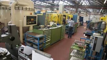 Die Produktion der Fraisa AG in Bellach wird durch das Virus beeinträchtigt, fast ein Drittel der Mitarbeiter muss daheim bleiben.