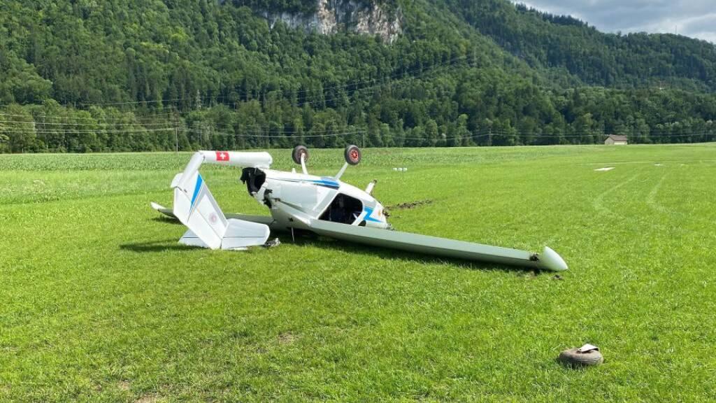 Auf dem Flugplatz von Epagny im Kanton Freiburg ist ein Flugzeug während der Startphase abgestürzt.