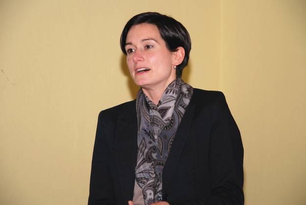 Grossrätin Maja Riniker forderte an der GV der FDP Suhr eine rasche Realisierung der Suhrer Ostumfahrung.