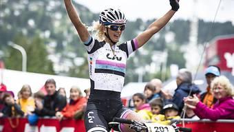 Sieg und siegt: Jolanda Neff gewinnt auch beim Weltcup-Finale.
