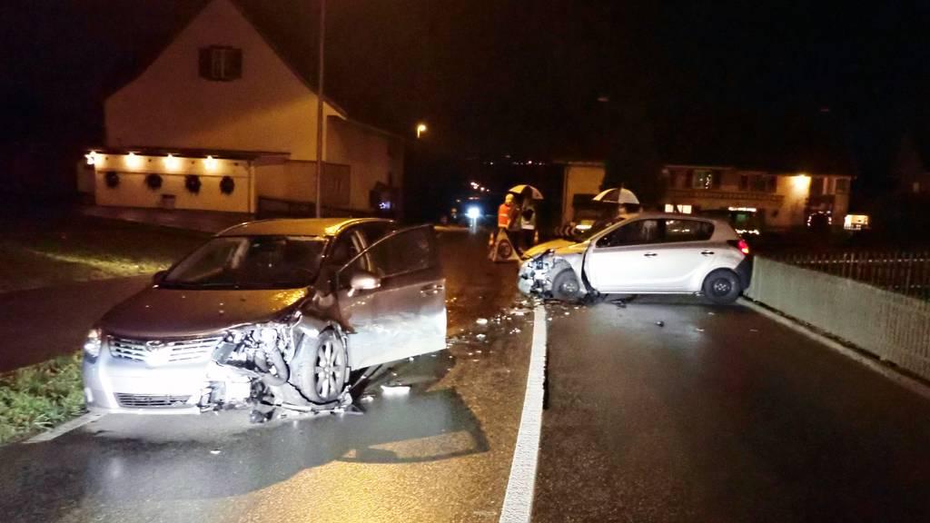 Betrunkener baut Unfall – drei Personen verletzt