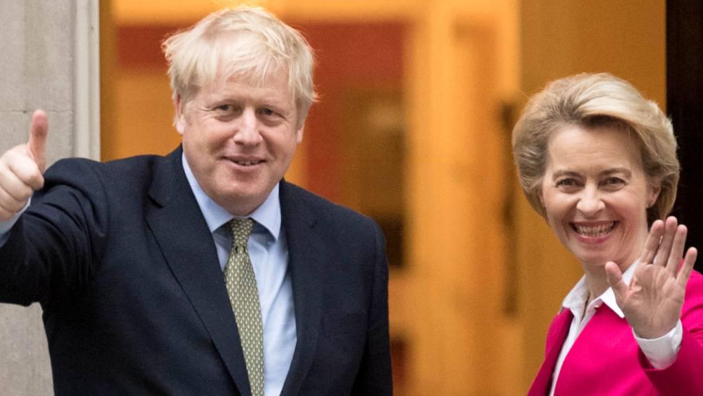 ARCHIV - Boris Johnson und Ursula von der Leyen treffen sich in der Downing Street. Foto: Stefan Rousseau/PA Wire/dpa/Archiv