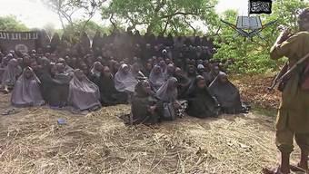 Der Screenshot, den die nigerianische Terrororganisation Boko Haram im Mai 2014 um die Welt schickte, war eines der wenigen Zeugnisse der Massenverschleppung.