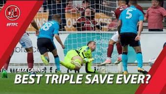 Dieser englische Torwart zeigt unglaubliche drei Saves nacheinander.