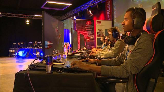 500 Gamer messen sich an der SwitzerLAN