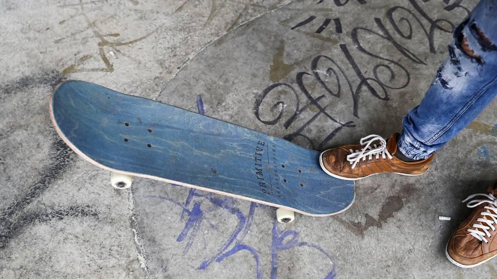 Mann in Luzern mit Skateboard schwer verunfallt
