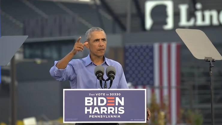 Ex-Präsident Barack Obama findet bei einer Wahlkampf-Veranstaltung für Präsidentschaftskandidat Joe Biden klare Worte gegen Donald Trump. (Bild: Keystone)