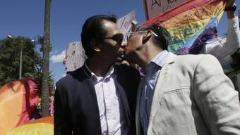 Jubel unter Homosexuellen: Das Verfassungsgericht in Ecuador hat am Mittwoch die Ehe zwischen zwei Personen des gleichen Geschlechts gutgeheissen.