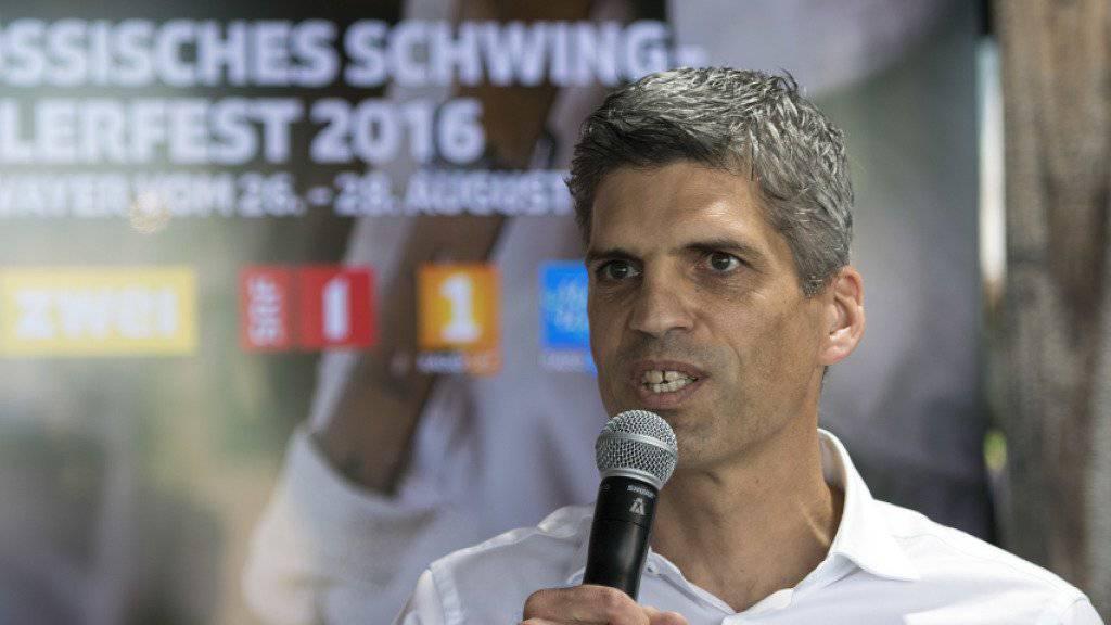 Roland Mägerle, Leiter SRF Sport und Leiter Business Unit Sport (SRG), kann die Fortsetzung von Live-Spielen der Champions und Europa League bekanntgeben