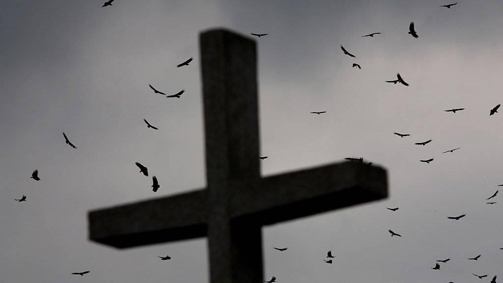 In Rio de Janeiro ist eine Mutter gestorben, nachdem ihr die Nachricht über den Tod ihres Sohnes überbracht worden war. (Symbolbild)