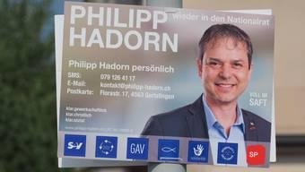 Das Wahlplakat von Philipp Hadorn mit dem Fisch als Symbol des Christentums. (Archiv)