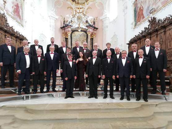 Am Gesangsfest im Dom Arlesheim errang der Männerchor Kappel unter der Leitung von Jasmine Asatryan die Bestnote