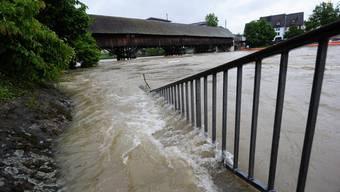Die Hochwasser in den Jahren 1999, 2005 und 2007 hatten gezeigt, dass die Siedlungsgebiete entlang der Aare unterhalb von Olten nur ungenügend geschützt sind (Symboldbild).