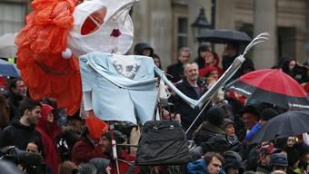 Gegner der verstorbenen britischen Ex-Premierministerin Margaret Thatcher in London