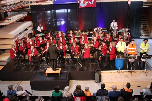 Orchester mit Perkusion