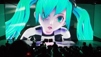 Künstlicher Popstar erzeugt echte Gefühle: Die animierte Sängerin Hatsune Miku begeistert die Massen. Nun tourt die japanische Figur durch Europa. (Archivbild)