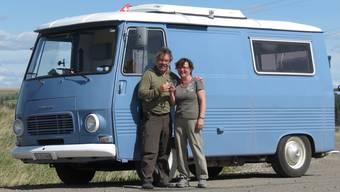 Erika und Res sind seit 15 Monaten mit ihrem Peugeot J7 Bus unterwegs durch Nord-, Mittel- und Südamerika.