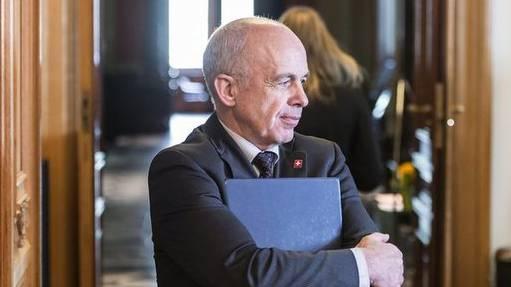 Bundesrat Ueli Maurer schöpft Personalbudget nicht aus.